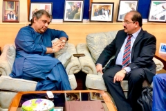 MD-GRG-discussing-Maritime-Investment-Proposal-with-Minister-Maritime-Affairs-Mr-Ali-Zaidi-in-his-office