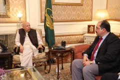 MD-GRG-discussing-Livestock-Proposal-with-Governor-Punjab-at-Governor-House