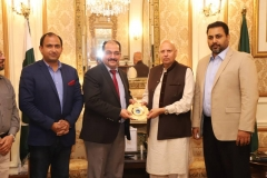 MD-GRG-presenting-GRG-Gold-Plated-Shield-to-Governor-Punjab-at-Governor-House