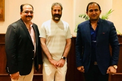 Chairman-GRG-with-MNA-Mr-Amjad-Niazi-and-Senior-Journalist-Mr-Irfan-Siddiqui-in-Islamabad